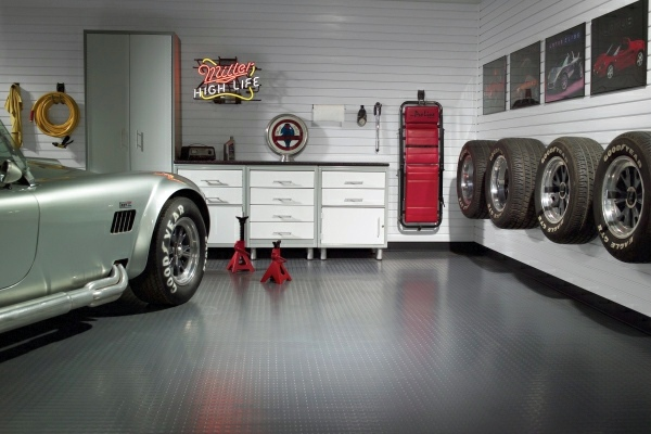 well established & highly reputable motor garage for sale