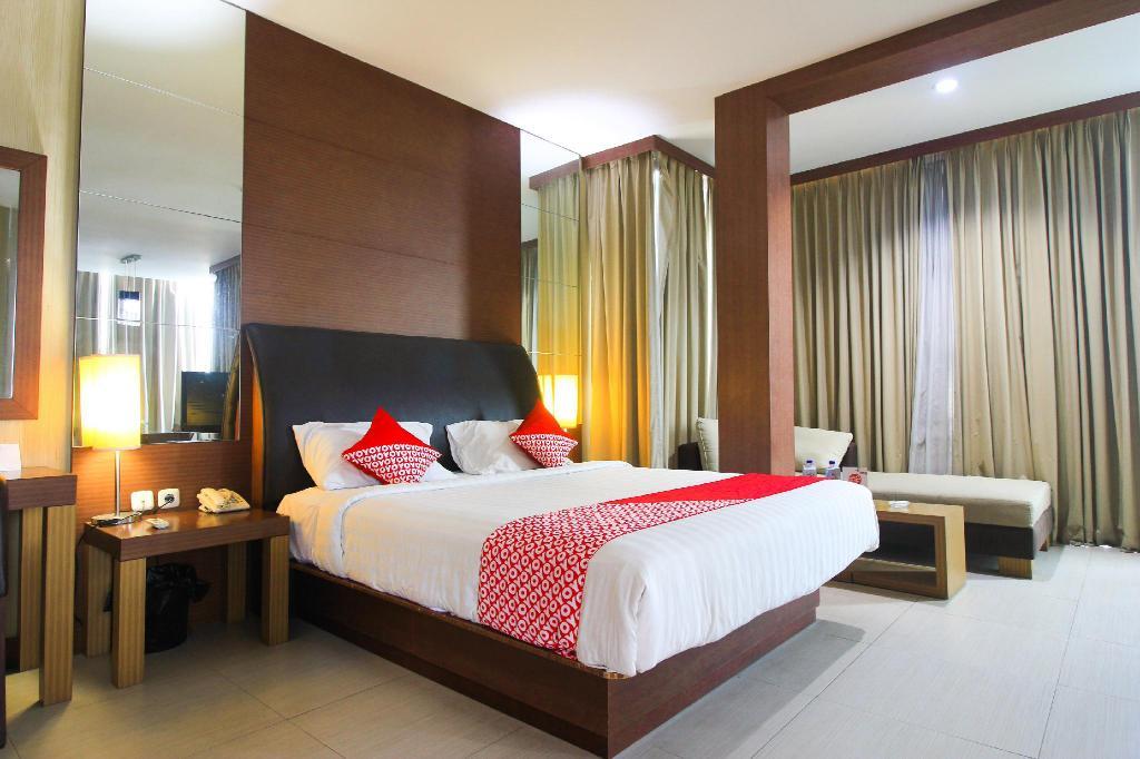 buy luxurious hotel in spain