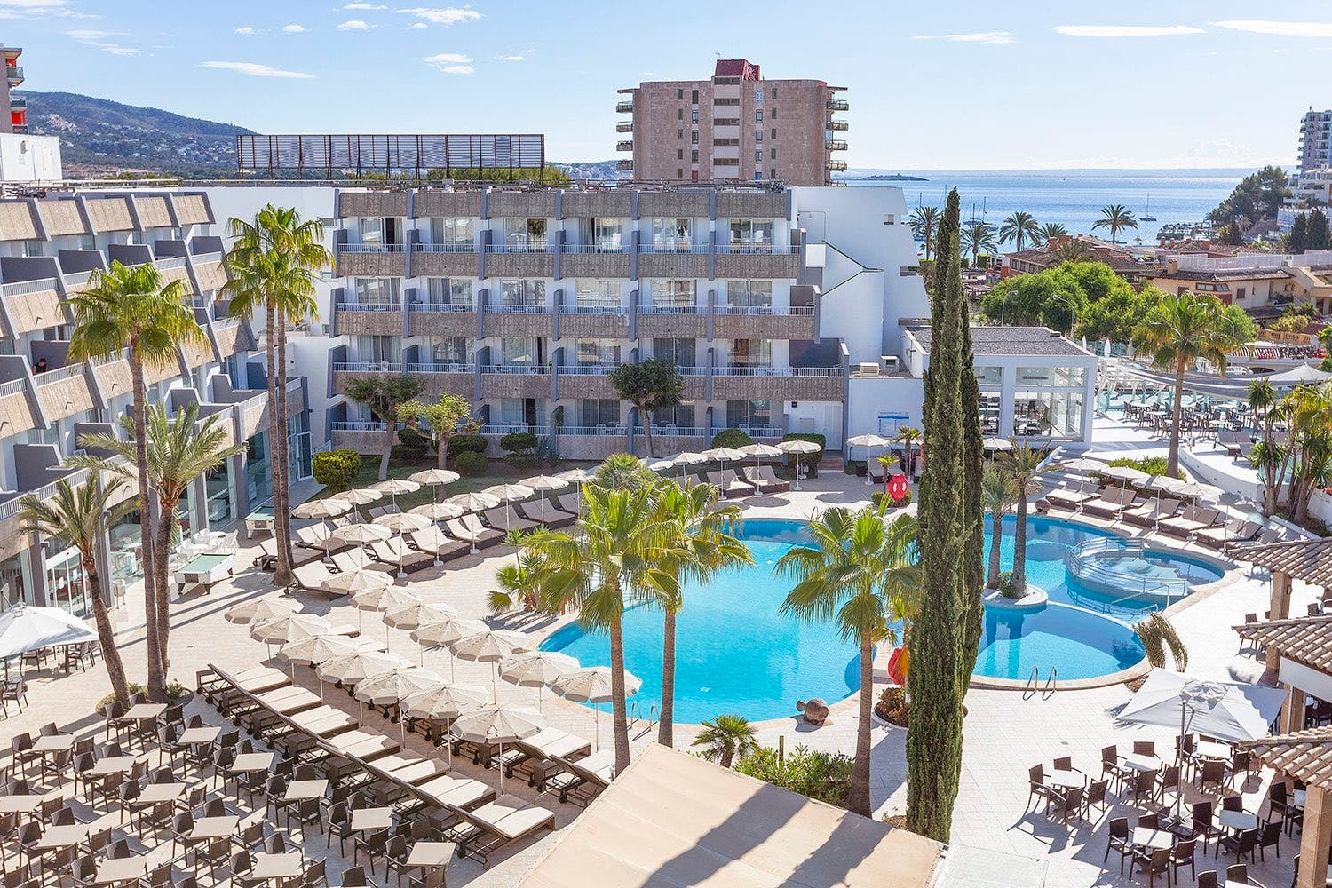 Beautiful 5-star hotel on the seafront in Spain